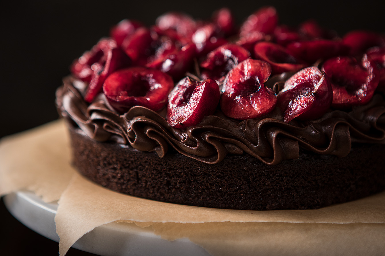 Dark_Chocolate_Cherry_cake